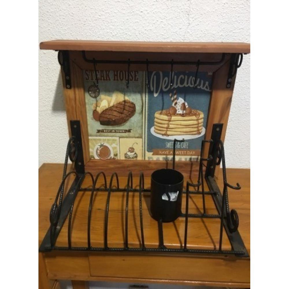 Paneleiro rústico em ferro e madeira retro cupcake