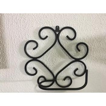Suporte para papel higiênico em ferro com arabescos