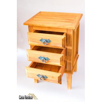 Criado mudo / mesa lateral / mesa de cabeceira - madeira de demolição - peroba rosa – 3 gavetas